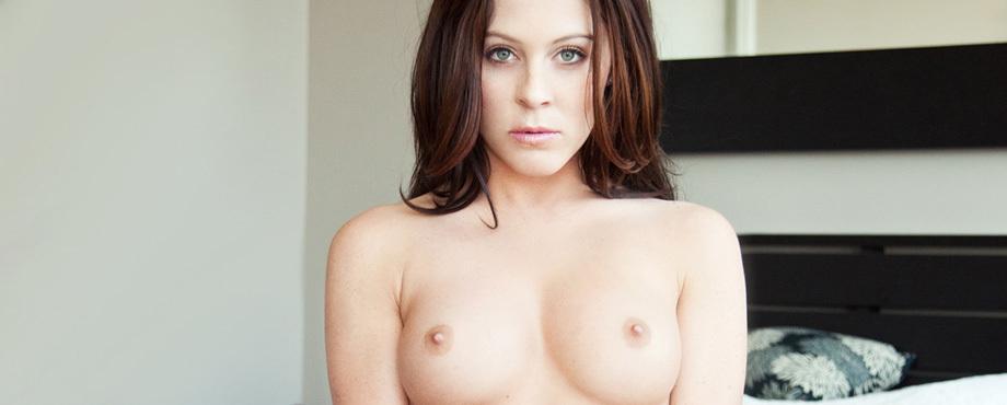 Victoria  James